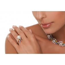 Anello con diamanti, zaffiri e perla
